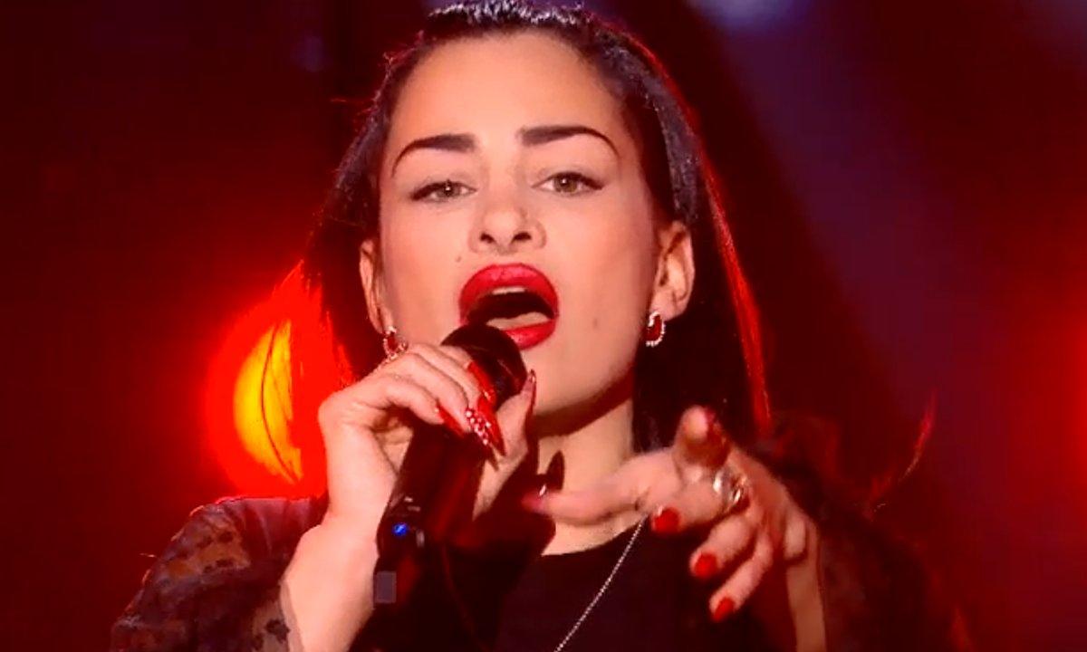 """THE VOICE 2020 - Nessa chante """"La Grenade"""" de Clara Luciani"""