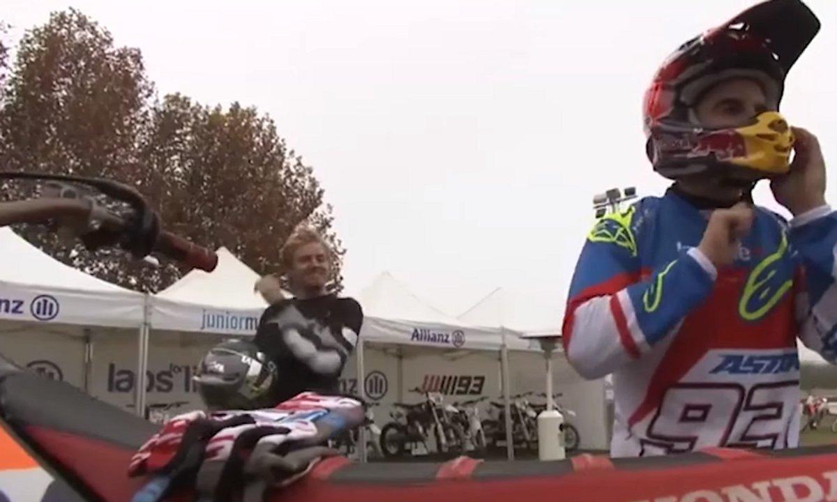 Nico Rosberg et Marc Marquez en compétition de Motocross