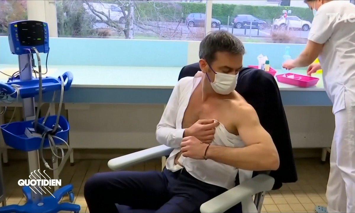 Olivier Véran: un vaccin, des muscles et un téton