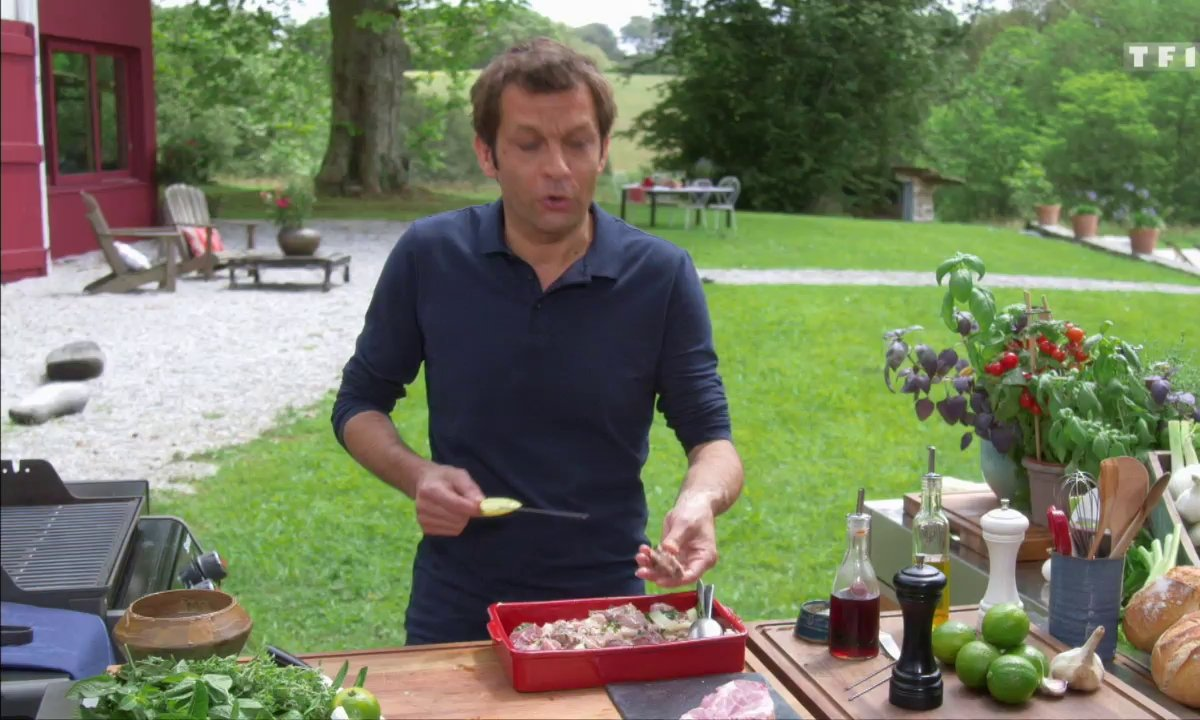 Brochettes de porc aux citrons verts et fenouil à la grecque