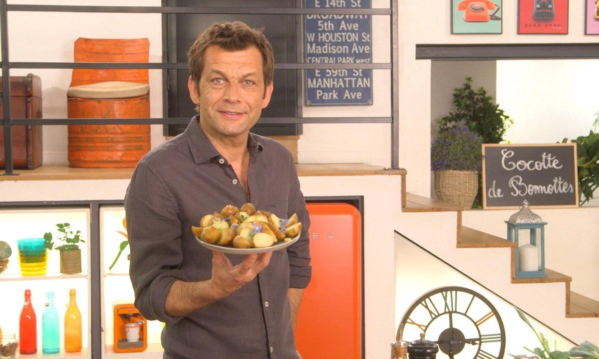 Cocotte de Bonnottes de Noirmoutier à la mertensia et fleurs de bourrache au beurre