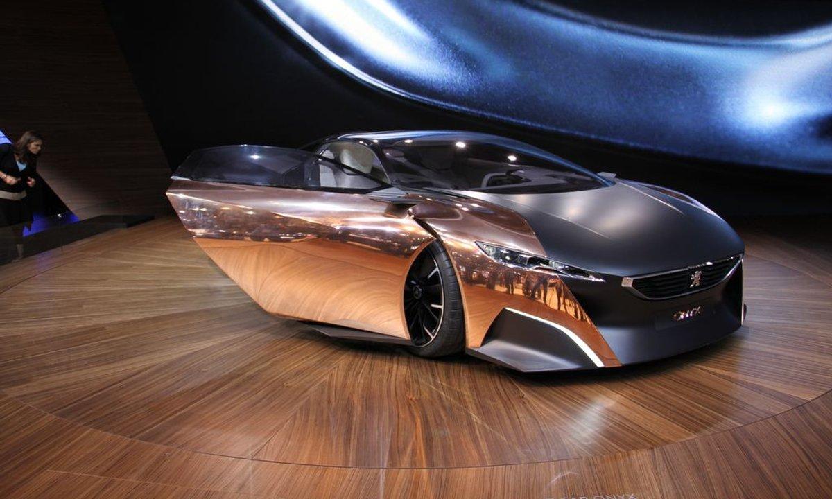 Mondial de l'Auto 2012 : du luxe et des sportives