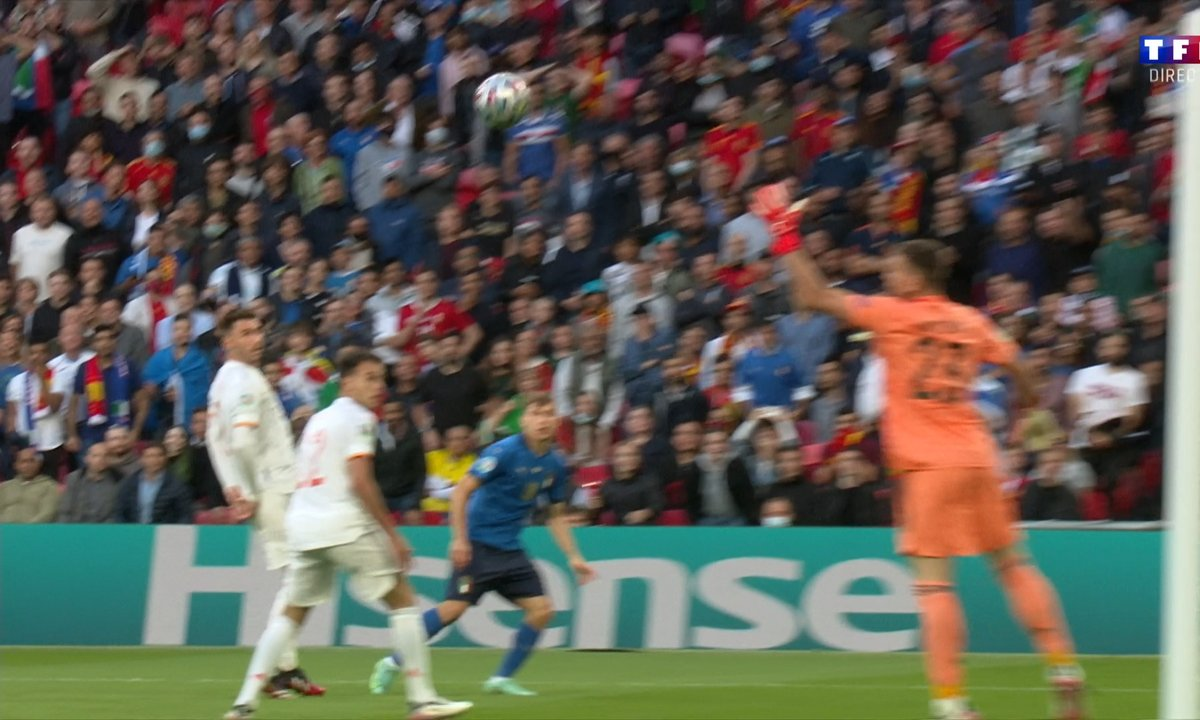 Italie - Espagne (0 - 0) : Voir l'occasion de Barella sur le poteau en vidéo