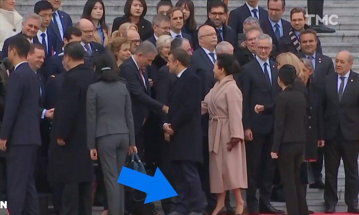 Profession président : l'incident chaussette d'Emmanuel Macron en Chine