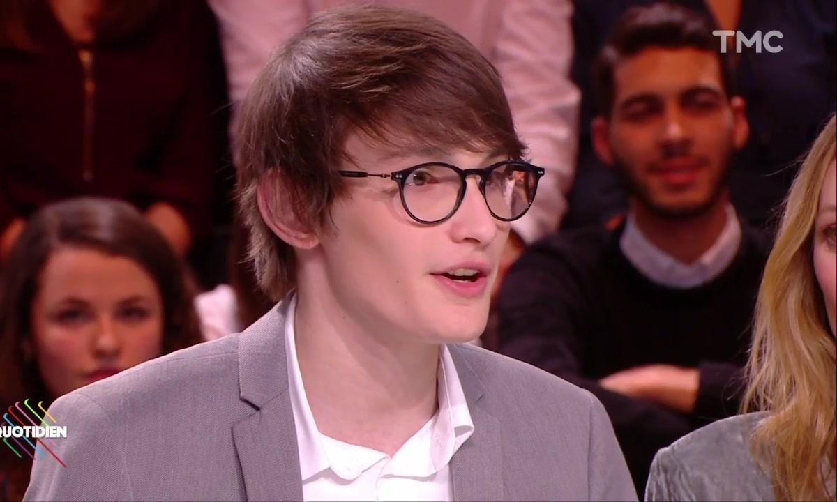 """Aurélien Enthoven confie sa """"colère"""" contre les médias qui ont révélé son identité"""