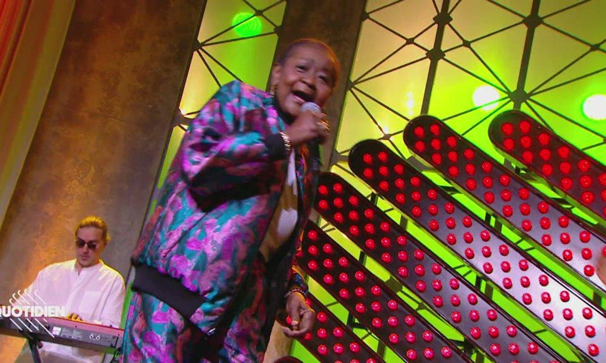 """Calypso Rose : """"Leave me alone"""" en live pour Quotidien (exclu web)"""
