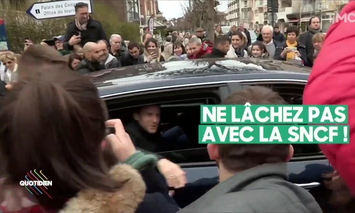 Profession président : face à la SNCF, Emmanuel Macron ne veut pas lâcher