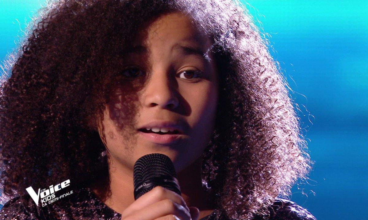 """The Voice Kids 2020 - Demi-Finale : Rania chante """"SOS d'un terrien en détresse"""" de Daniel Balavoine (Team Soprano)"""