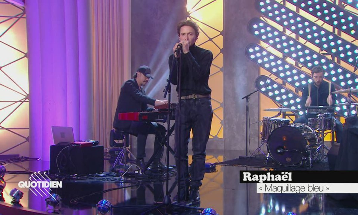 """Raphaël : """"Maquillage bleu"""" en live pour Quotidien (exclu web)"""