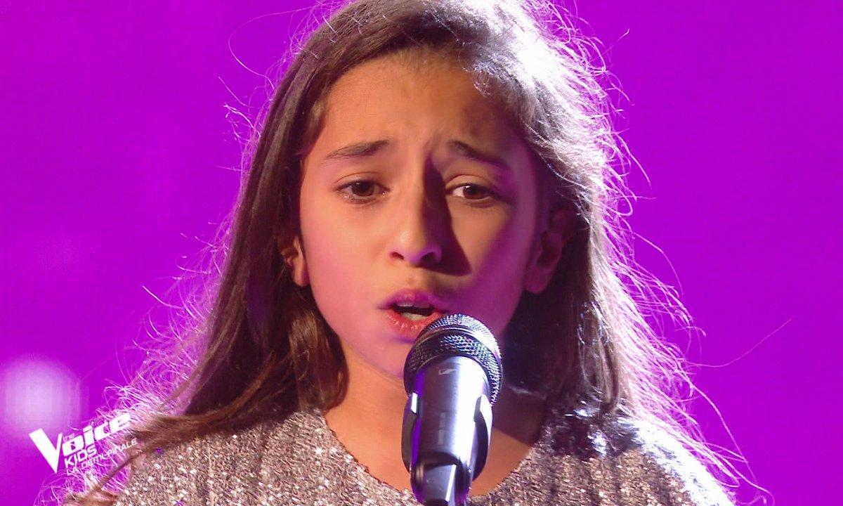 """The Voice Kids 2020 - Demi-Finale : Rébecca chante """"You raise me up"""" de Josh Groban (Team Patrick Fiori)"""