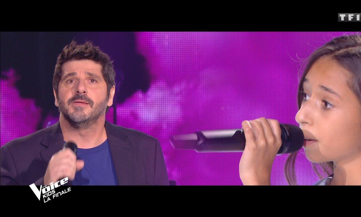 """The Voice Kids 2020 - Finale - Rébecca & Patrick Fiori chantent """"Chanson sur ma drôle de vie"""" de Véronique Sanson"""