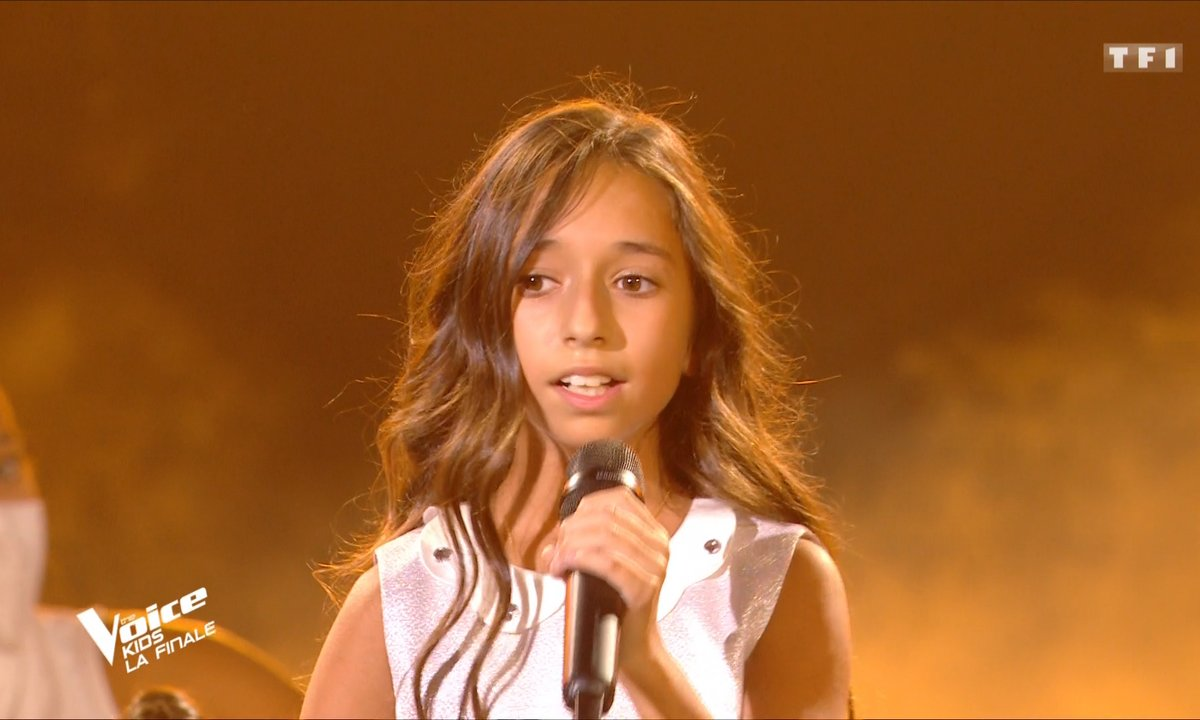 """The Voice Kids 2020 - Finale - Rébecca chante """"Sois tranquille"""" d'Emmanuel Moire (Team Patrick Fiori)"""