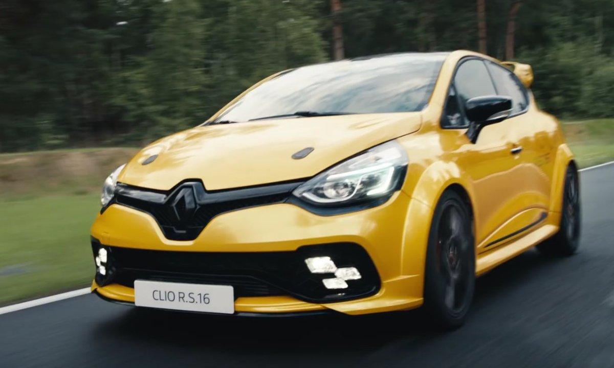 Insolite : La Renault Clio R.S.16 se dévoile tout en humour