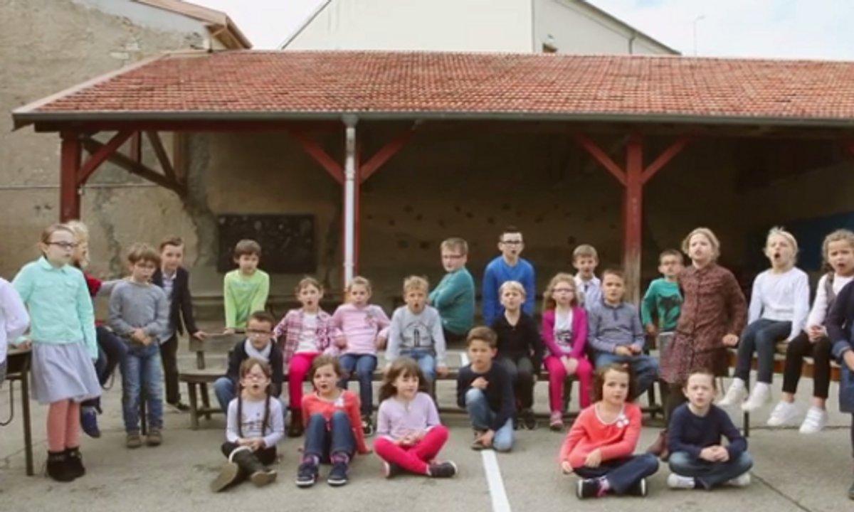 """Enfoirés Kids : """"La chanson des Restos 1986"""" - le clip"""
