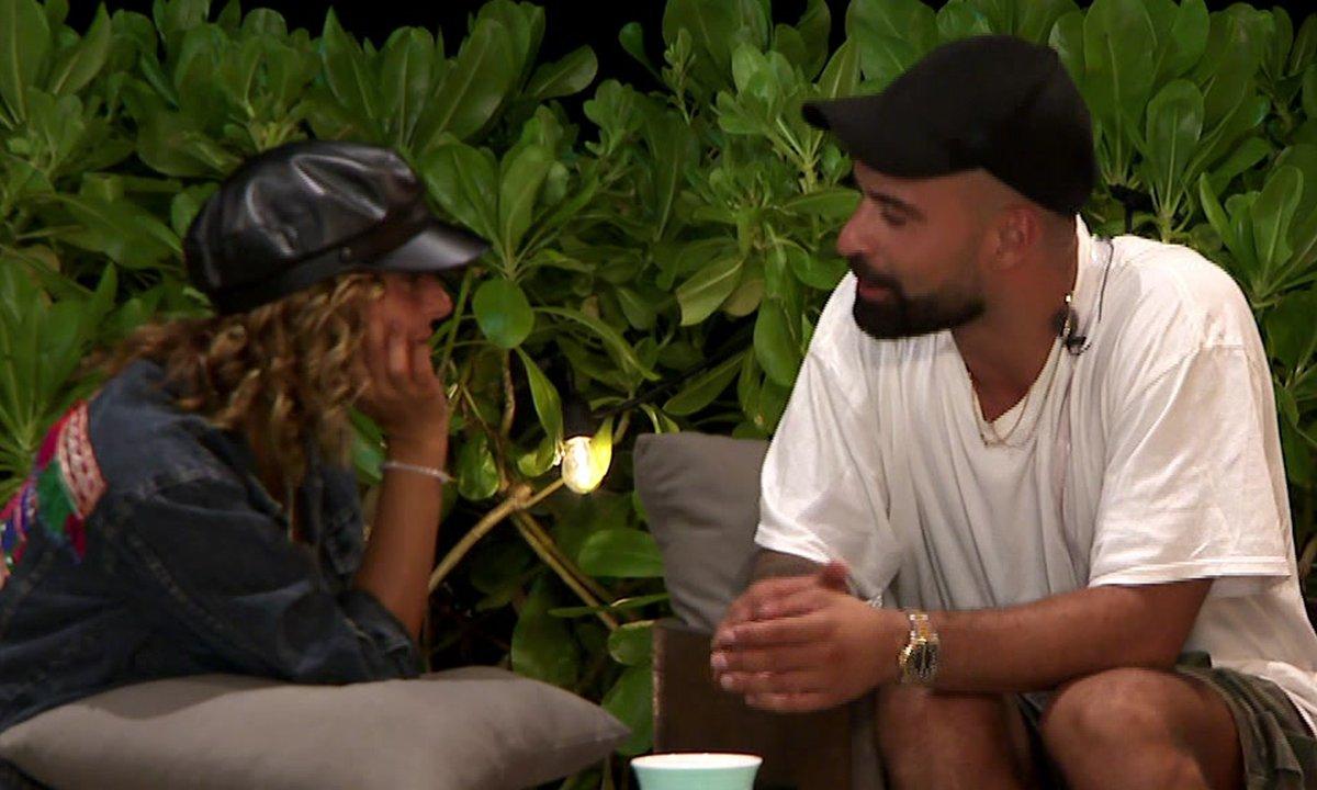 Rym et Vincent se retrouvent dans la nuit et c'est CALIENTE !