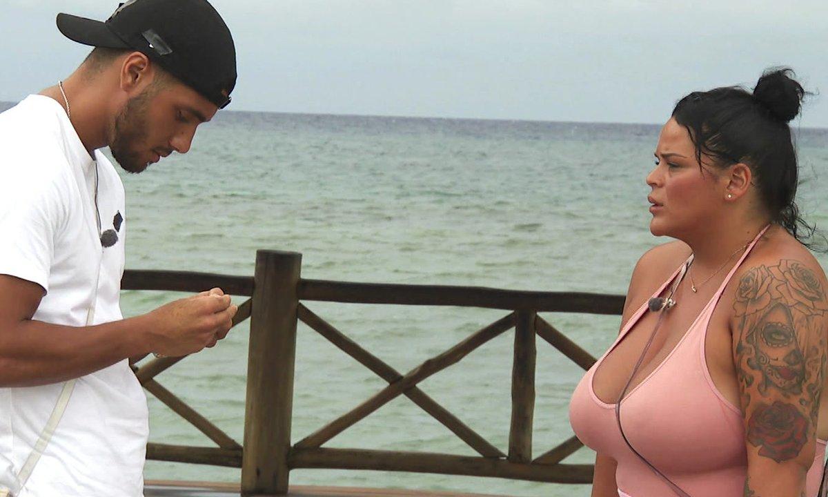 Sarah et Ahmed ont une explication dans l'épisode 67 de La Villa des Cœurs Brisés