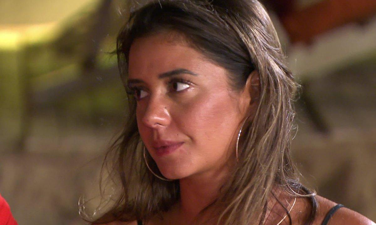 Sarah évoque le décès de l'ex de Julie : elle s'effondre !