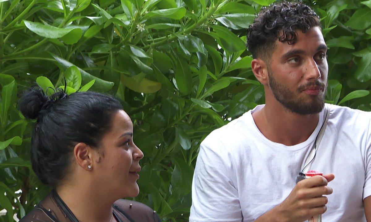 Sarah pense qu'Ahmed a eu une aventure avec LÉANA !
