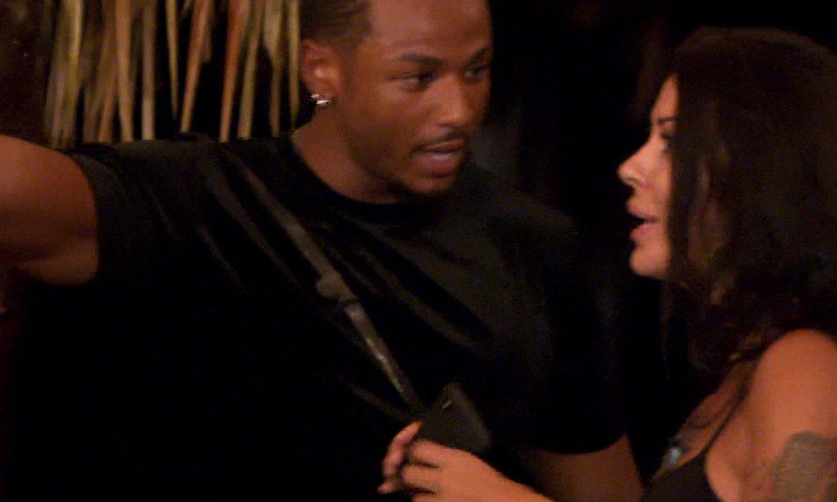 Shanna fait une crise à Ayoub dans l'épisode 46 de La Villa des Cœurs Brisés