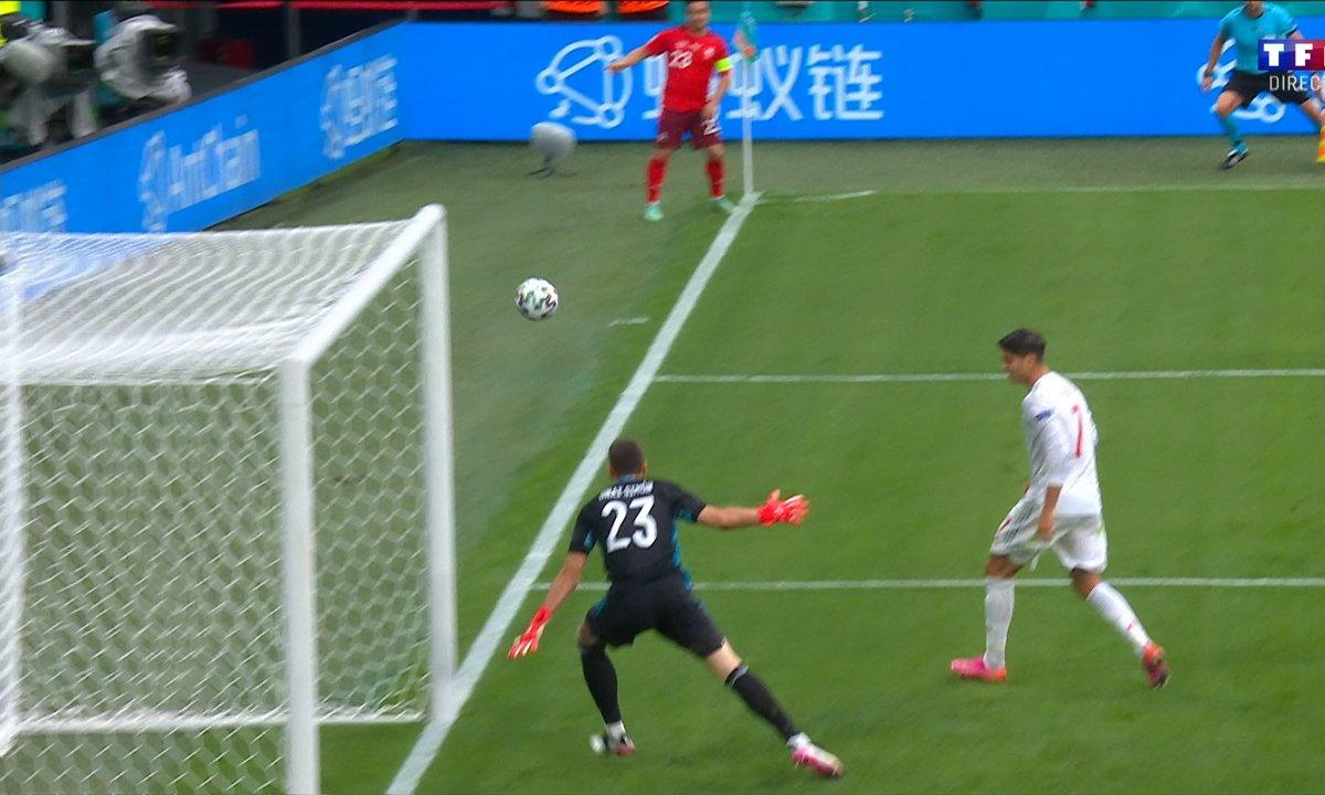 Suisse - Espagne (0 - 1) : Voir le corner direct tenté par Xherdan Shaqiri en vidéo