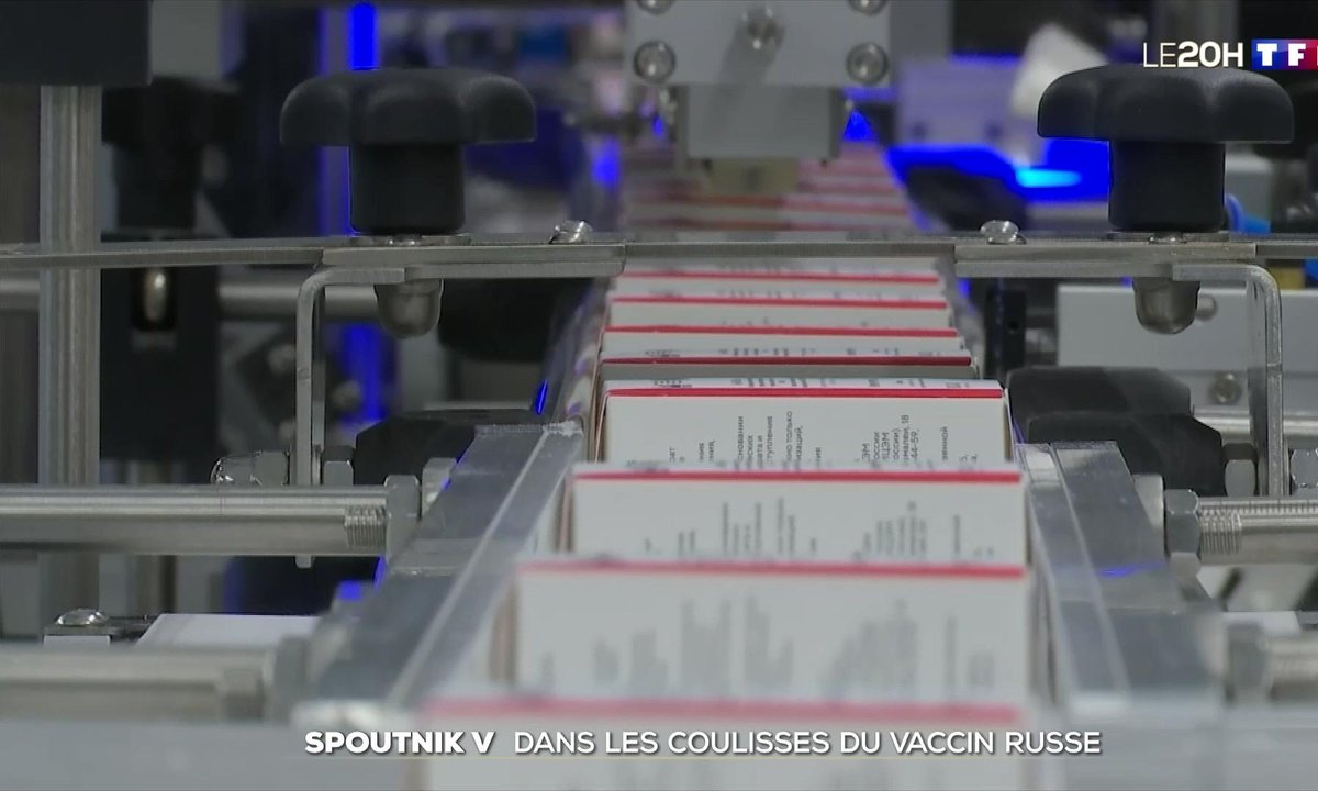 """""""Spoutnik V"""" : visite d'un site de production du vaccin russe à Saint-Pétersbourg"""