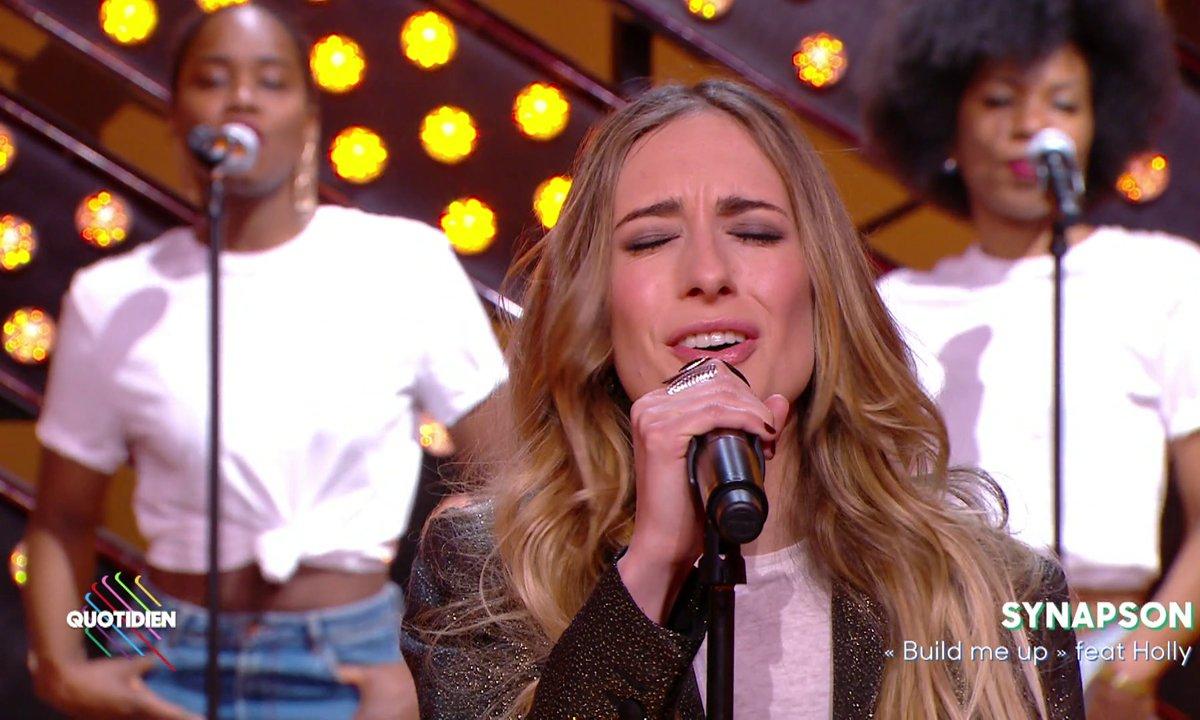 """Synapson feat Holly – """"Build me up » en live dans Quotidien"""