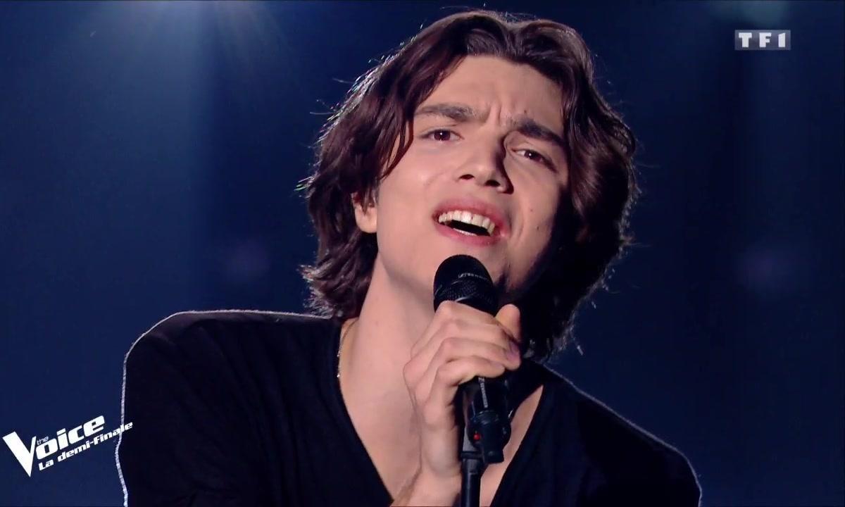"""Antoine Galey : """"On ne sauvera pas le monde ce soir"""" en live sur la scène de """"The Voice"""""""