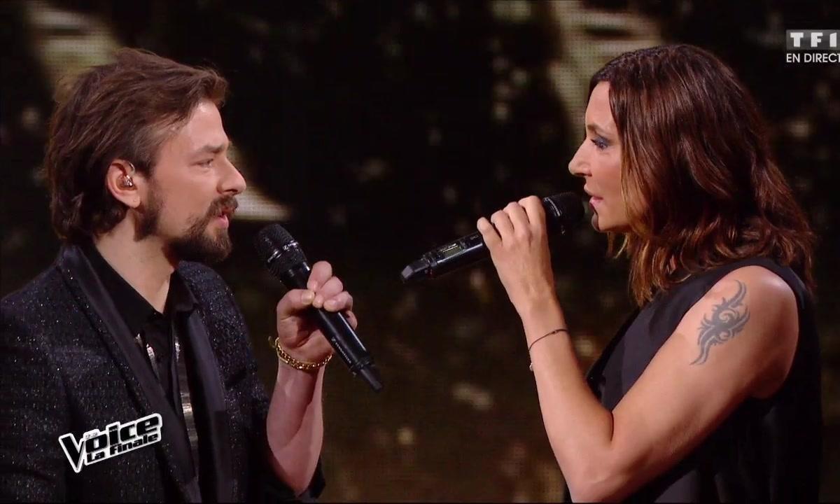 Clément et Zazie réunis pour chanter en direct « J'envoie valser » lors de la finale (Saison 05)