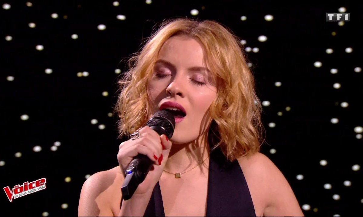 Hélène – « La Ceinture » (Elodie Frégé) (Direct 1 - Saison 6)