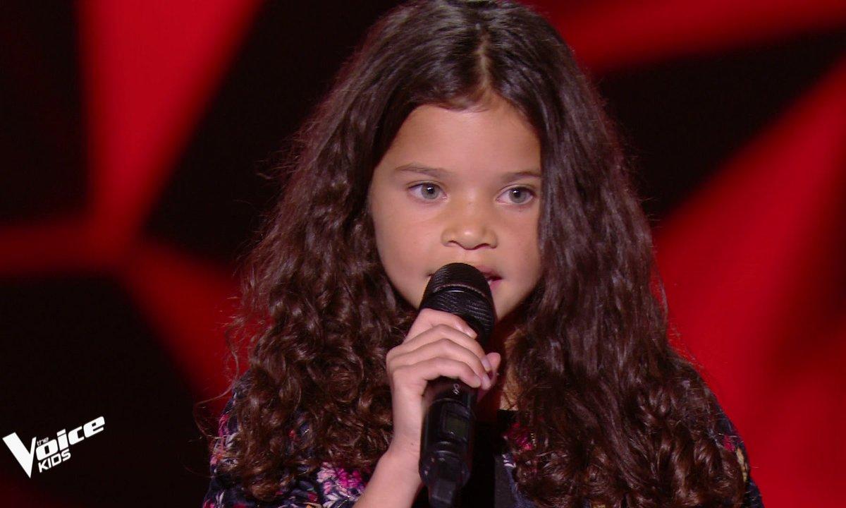 The Voice Kids - Eden chante « Petit pays » de Cesaria Evore