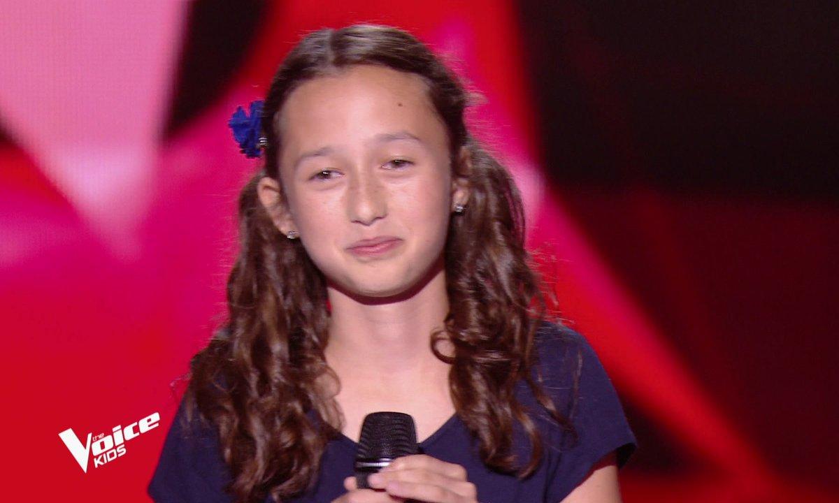 The Voice Kids – Eva chante « La foule » d'Edith Piaf