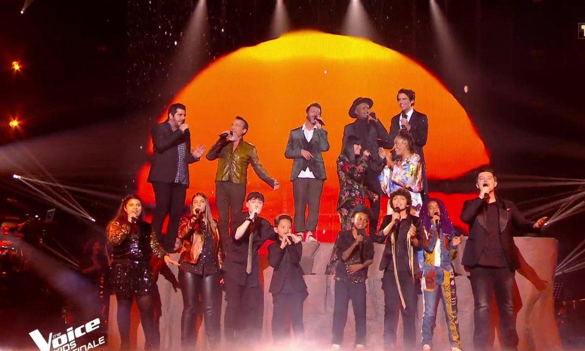 The Voice Kids : Les coachs et les talents ouvrent la finale avec « L'histoire de la vie » (Le Roi Lion)