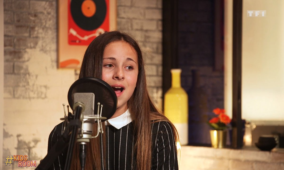 The Voice Kids : Lola chante « Rolling in the deep » d'Adèle