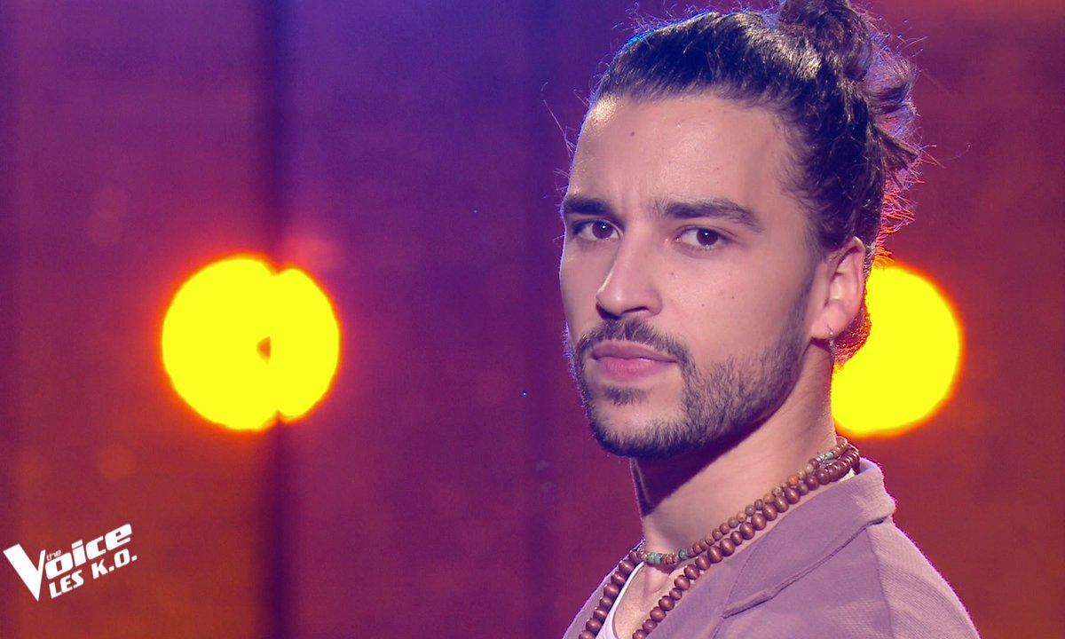 """The Voice 2021 – Quentin Malo chante """"L'amour à la machine"""" de Alain Souchon (KO)"""