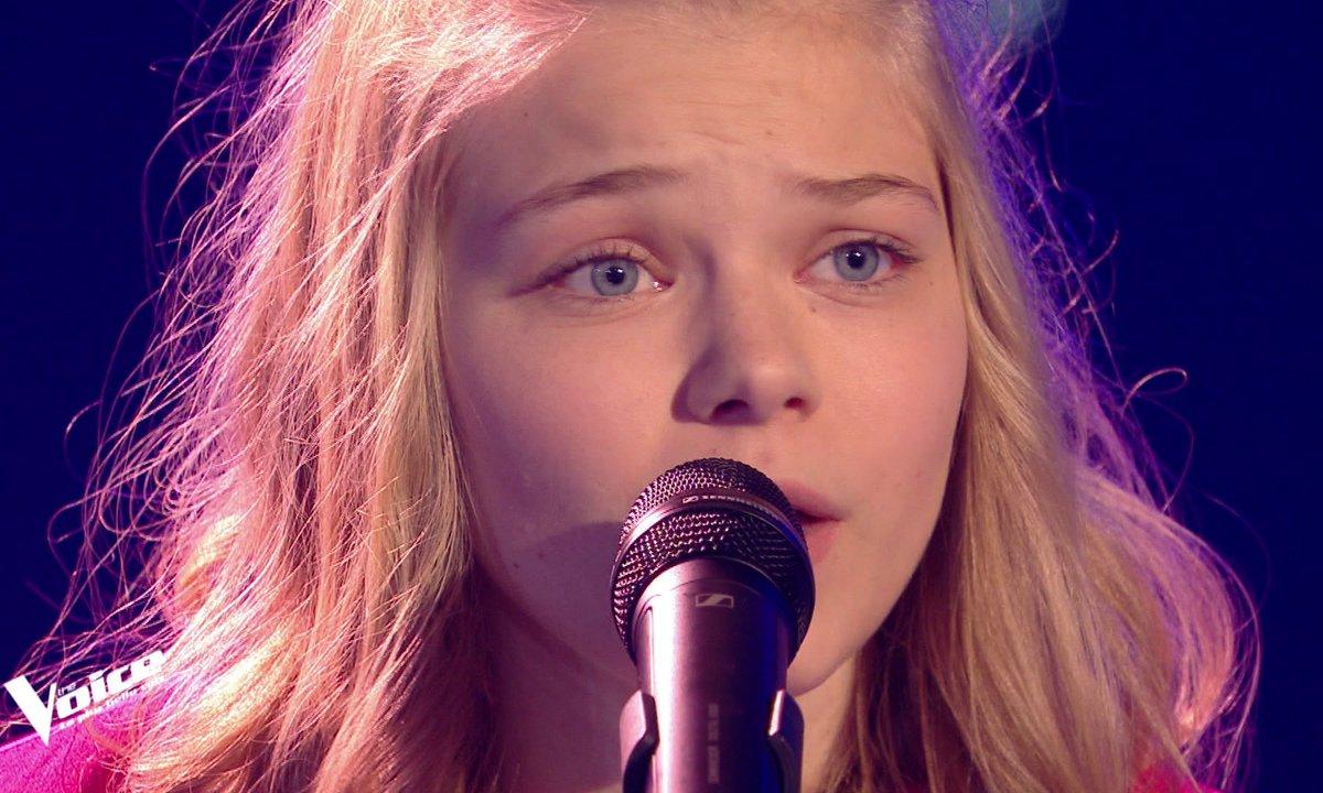 """THE VOICE 2020 - Zoé chante """"Quelques mots d'amour"""" de Michel Berger"""