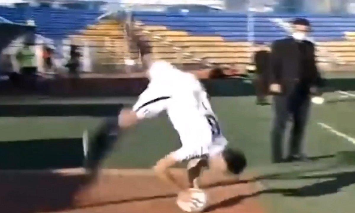 VIDEO - Il marque sur une touche folle directe