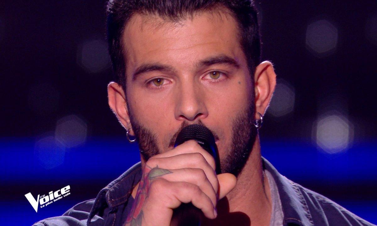 """THE VOICE 2020 - Tony chante """"La vie ne m'apprend rien"""" de Daniel Balavoine"""