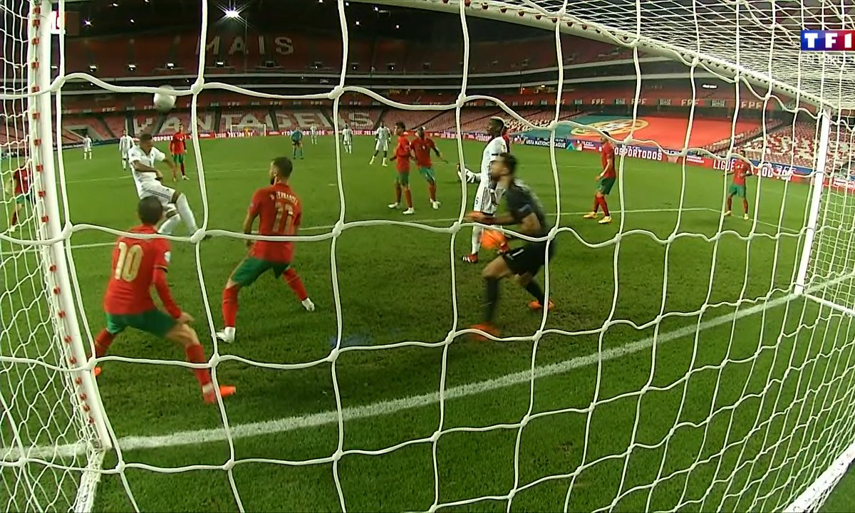 Portugal - France (0 - 0) : Voir la transversale de Martial en vidéo