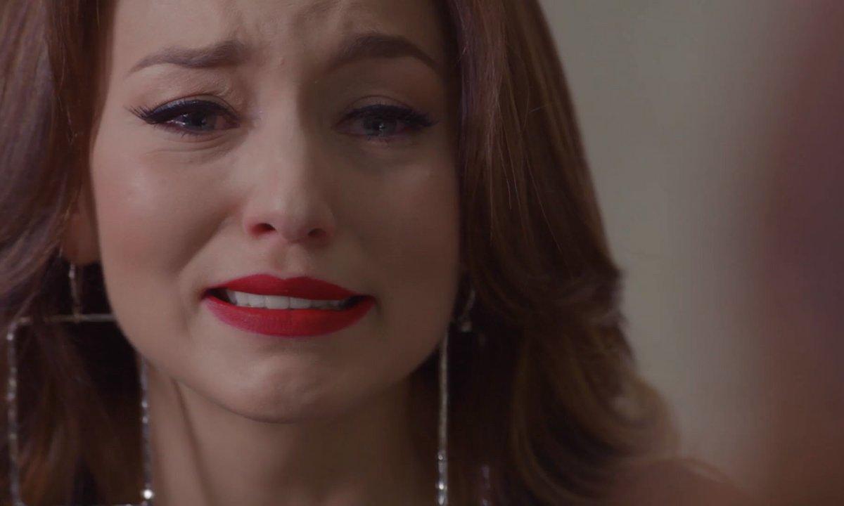 Les trois visages d'Ana - S01 E25