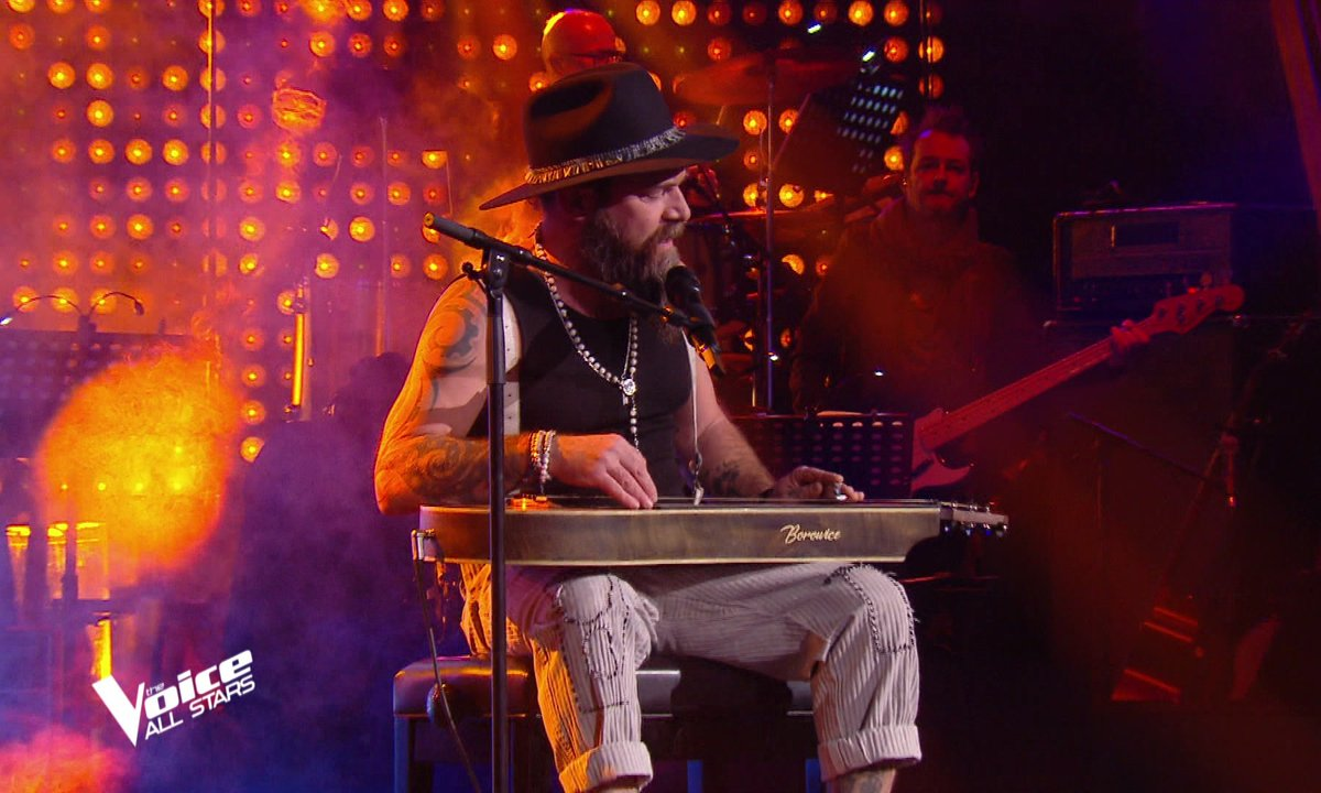 """The Voice All Stars – Will Barber chante """"Sweet Dreams"""" d'Eurythmics"""