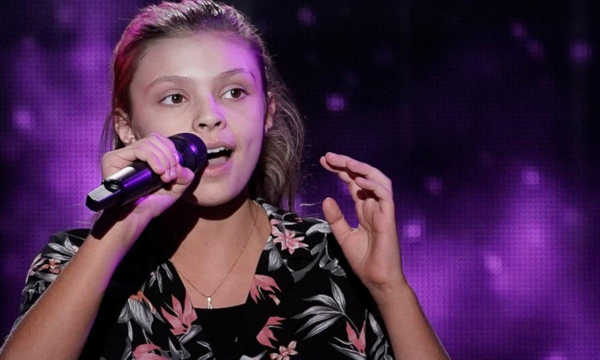 """The Voice Kids 2020 - Chloé chante """"Tout doucement"""" de Bibi"""