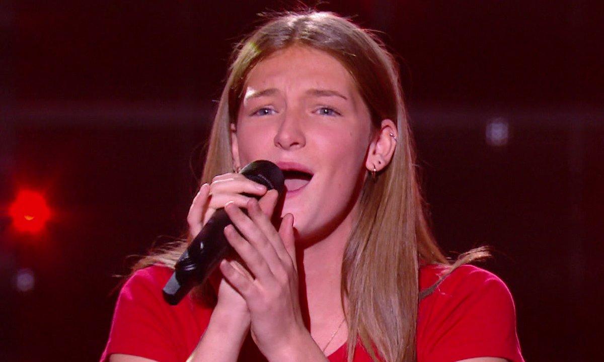 """The Voice Kids 2020 - Cloé chante de """"Something got a hold on me"""" d'Etta James."""
