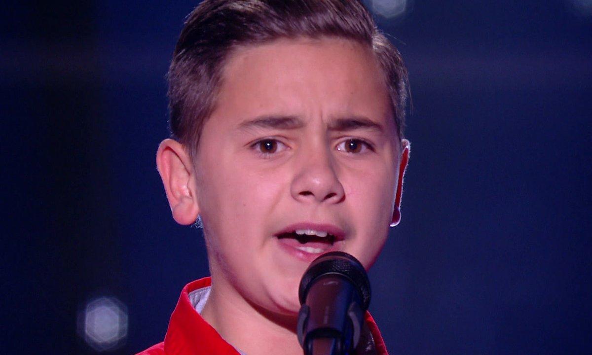 """The Voice Kids 2020 - Mathis chante """"Et maintenant"""" de Gilbert Bécaud"""