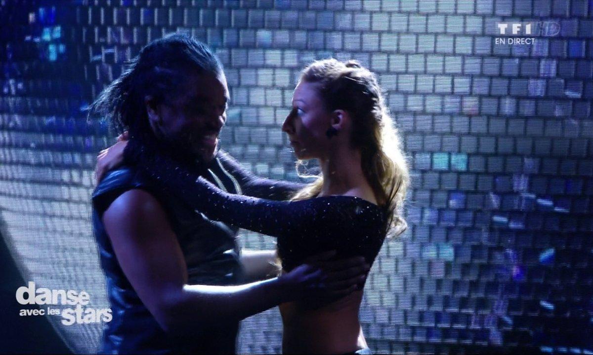 "Un Paso Doble pour Anthony Kavanagh et Silvia Notargiacomo sur ""Stayin' Alive"" (Bee Gees)"