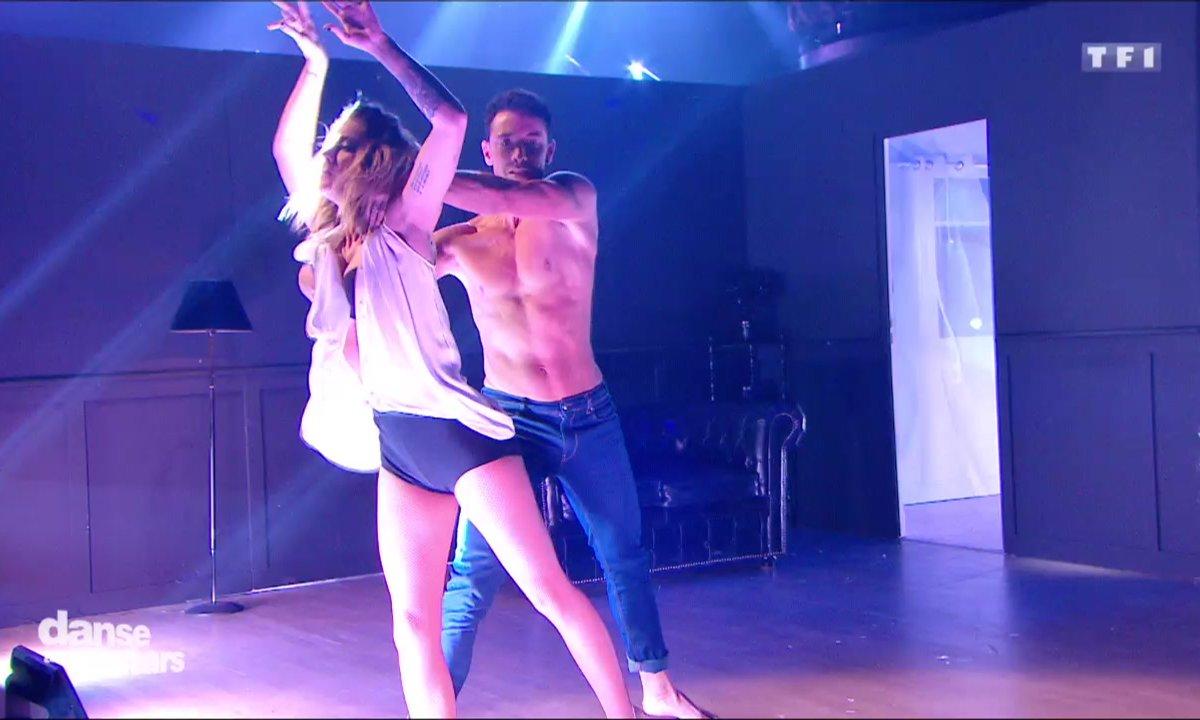 Danse contemporaine pour la 2è danse de Caroline Receveur et Maxime sur  « Big Girls Cry» (Sia)