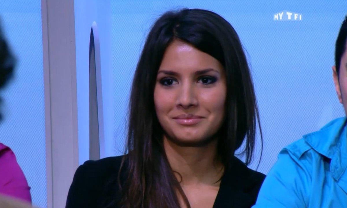 MyTELEFOOT - Buzz : La jolie brune du public de Téléfoot