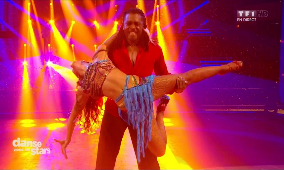 Une Samba pour Anthony Kavanagh et Silvia Notargiacomo sur « We are One» (Pitbull)