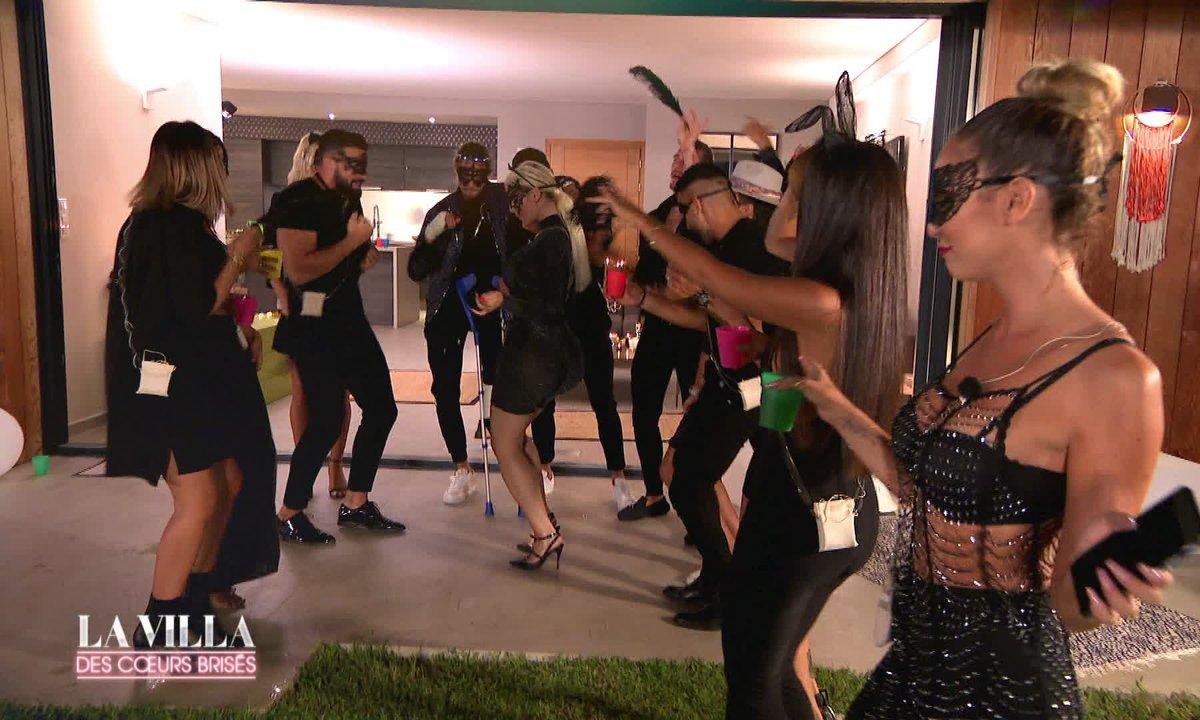 Une soirée très sexy dans l'épisode 22 - TF1