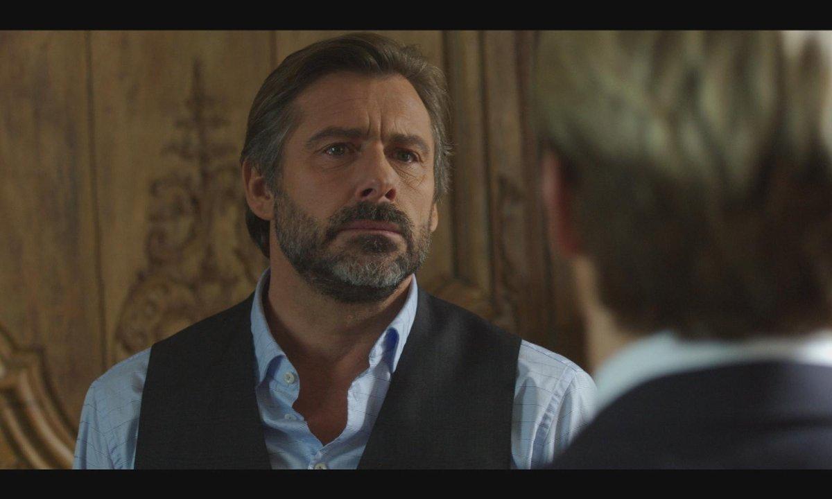 Face à son père, Joris trahit le secret de son frère Romain...