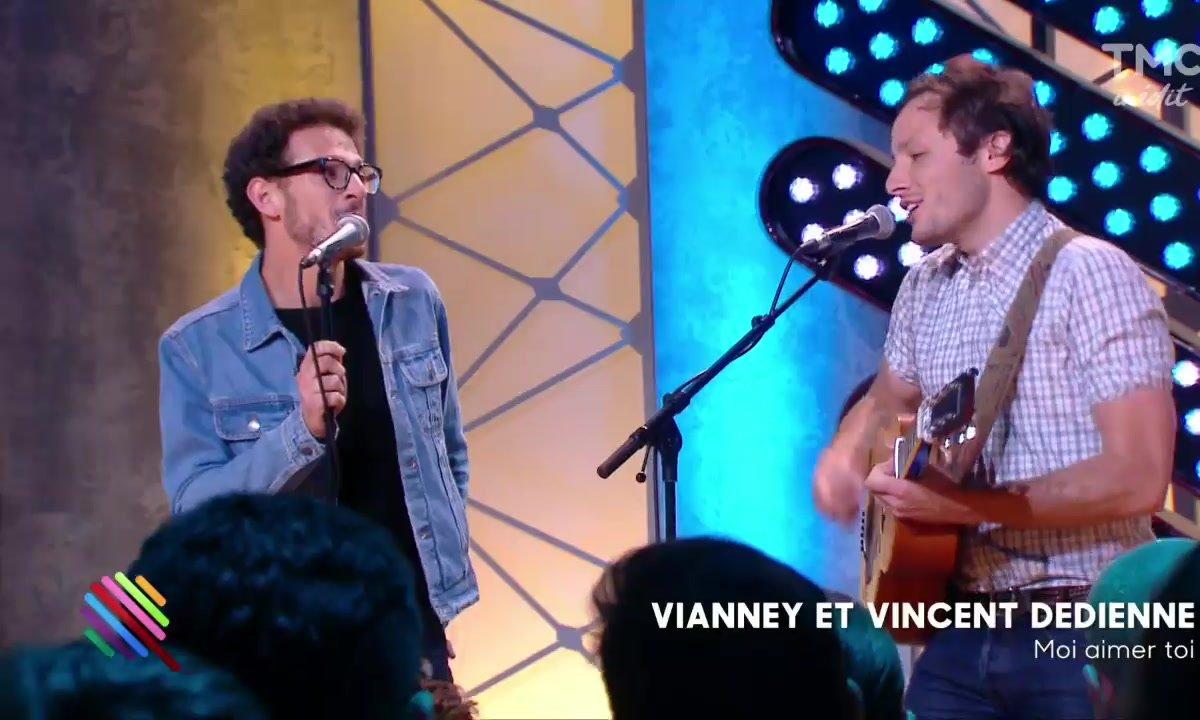 """Vianney - """"Moi aimer toi"""" en duo avec Vincent Dedienne sur la scène de Quotidien"""